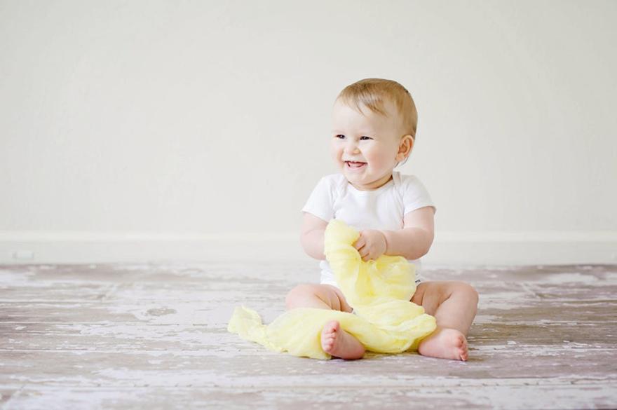 dbf1afee384f4 大人の洗濯物に比べ、母乳や汚物などで汚れる頻度の多いベビー服。必然と洗濯の頻度も多くなるので、どんな洗剤を使えばいいのかなど、ベビー服の扱いを考えている方も  ...